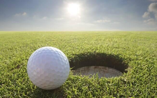 Conjunto com 12 bolinhas de golfe custa até  R$ 180