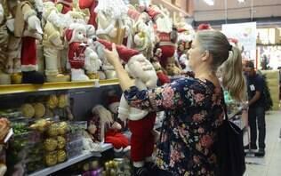 Mais da metade dos brasileiros não vai gastar o 13º salário em compras de Natal