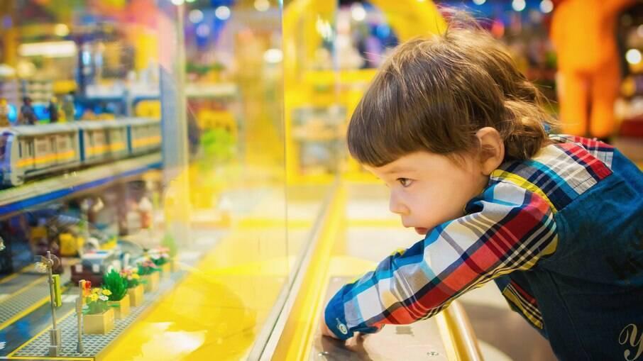 Lojas que não cumprirem criação de setor de gênero neutro para brinquedos deverão pagar US$250 a US$500.