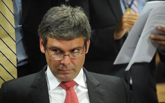 Ex-diretor da Petrobras, Paulo Roberto Costa acusa Lindbergh Farias de ter pedido R$ 2 milhões para campanha ao Senado