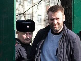 Nos últimos meses, Navalny criticava a crise econômica provocada pelas sanções dos EUA e da União Europeia à Rússia
