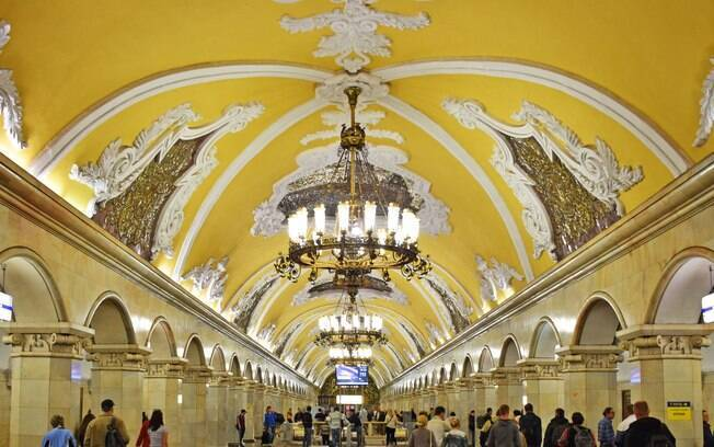 As estações de metrô são um show a parte, pois foram construídas como