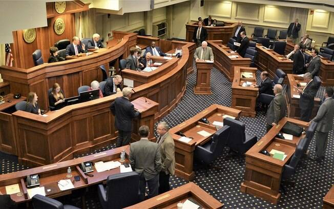 Nova legislação proíbe qualquer forma de aborto no estado