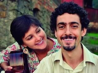 Bloco musical.   Duo foi formado após o encontro de uma uruguaia e um mineiro que dividiram o primeiro lugar em um concurso musical