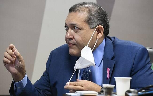 Kassio Nunes durante sabatina da Comissão de Constituição e Justiça do Senado