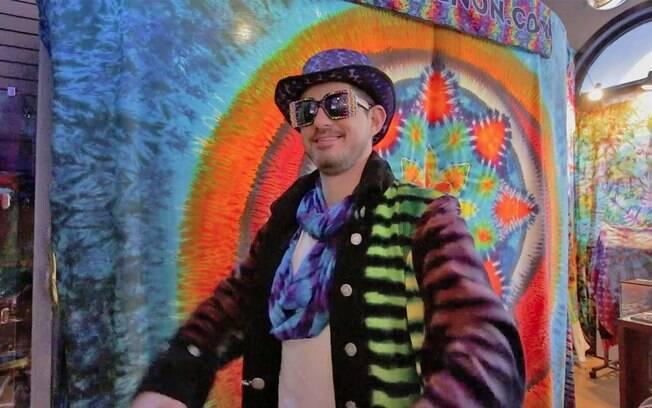 Vinícius no clima hippie no passeio pelo bairro Haight-Ashbury