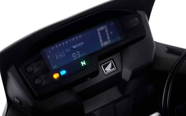 Painel da Honda XRE 300 vem com cluster digital entre os principais componentes