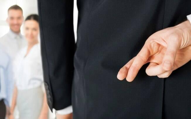 Linguagem corporal e contexto são chave para descobrir o mentiroso