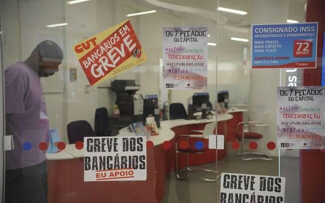 Greve dos bancários começou no dia 13 após negociação durante todo o mês de setembro
