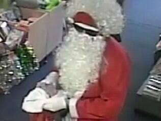 Imagens do Papai Noel roubando loja na Austrália fazem sucesso na web