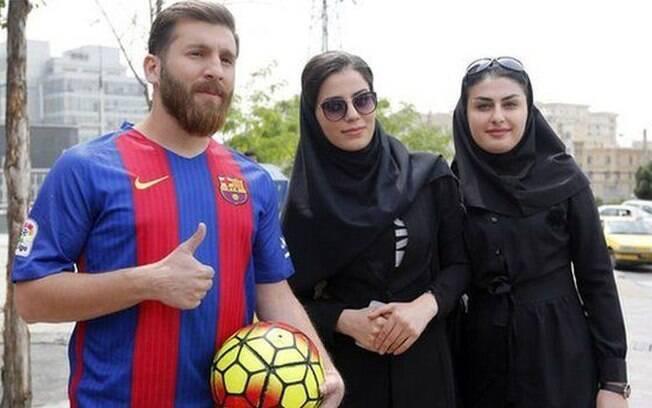Reza Parastesh se passou por Messi para atrair mulheres