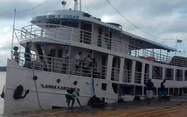 Barco naufragou no Amapá
