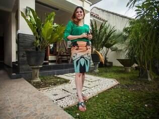 Wina Lia, viúva e mãe de dois filhos, afirma que a ideia de oferecer a venda da casa e a sua mão surgiu a partir de um amigo