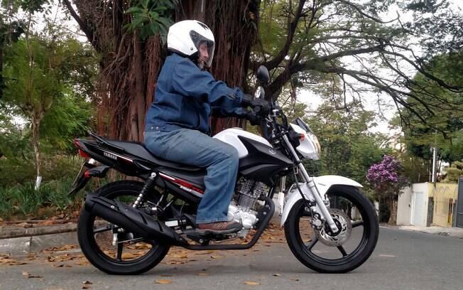 Yamaha Factor 150 UBS, cor branca exclusiva e freio a disco com UBS entre as principais características da moto