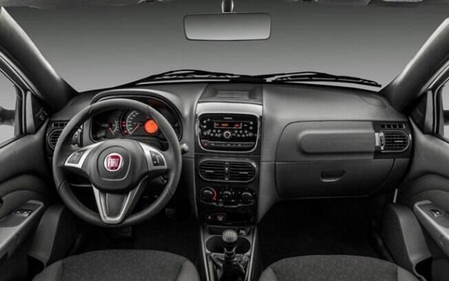 Fiat Strada Freedom Cabine Dupla tem interior familiar a muitos brasileiros, pois traz visual do finado Palio