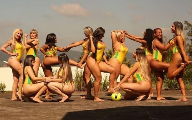 Candidatas ao Miss Bumbum posam em clima de copa dos bumbuns e ganham destaque no TMZ