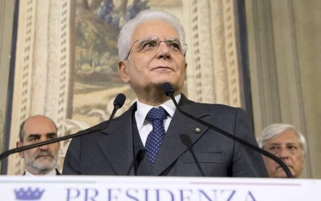 Ao comentar os sofrimentos dos últimos meses, Mattarella destacou que nesta emergência