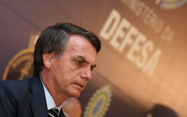 Presidente Jair Bolsonaro (PSL) defende decreto que facilita posse de armas no Brasil