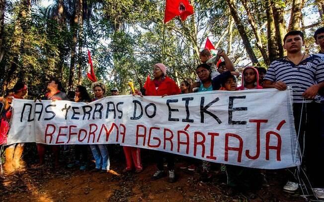 Cerca de 200 famílias do MST invadiram terras de Eike Batista em Minas Gerais durante a madrugada