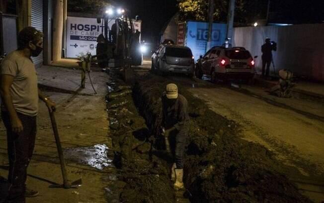Hospital de Campanha de São Gonçalo: ainda em obras no entorno na última quarta-feira à noite