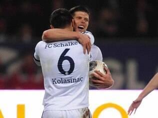 Huntelaar comandou virada do Schalke 04 sobre o Augsburg