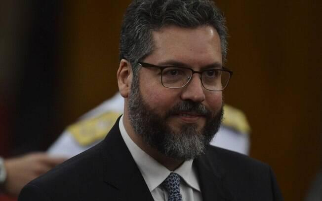 Ernesto Araújo acredita que Brasil terá uma boa relação com os EUA