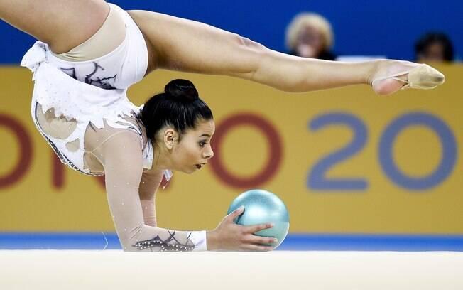 A argentina Karen Pereira, em série com o arco. Foto: AP