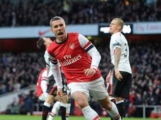 Alemão Podolski fez o gol que deu a vitória do Arsenal sobre o Liverpool