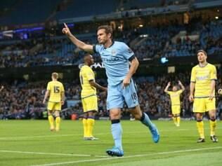 Manchester City voltou a contar com categoria do experiente meia Frank Lampard