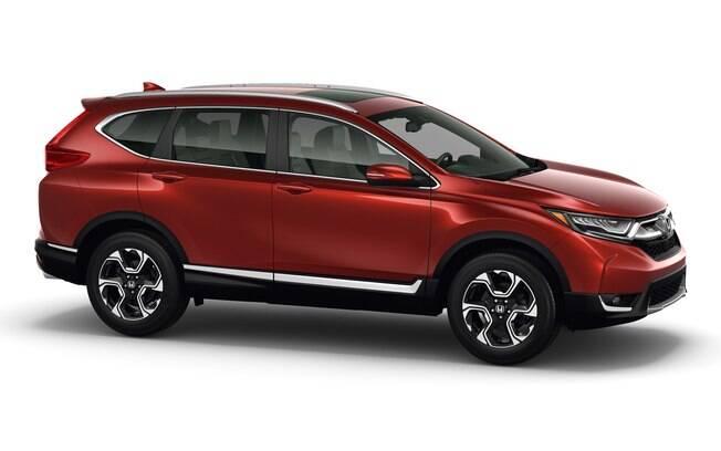 Seus 2,65 metros de entre-eixos permitem que o Honda CR-V tenha um porta-malas de 1.104 litros, sem rebater os bancos.