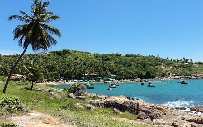 Praia de Calhetas fica localizada em um condomínio fechado em que só é permitido o acesso para pedestres