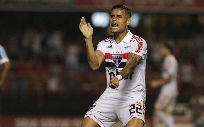 Everton, do São Paulo, está sendo acusado de agressão