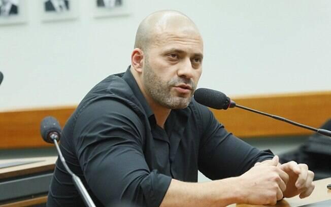 Daniel Silveira (PSL-RJ) fez transmissão ao vivo nas redes sociais com ameaças a ministros do STF