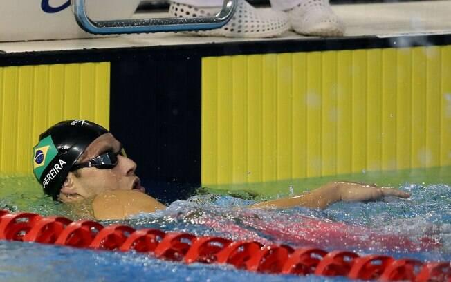 Thiago Pereira ao final da prova dos 400m medley, com polêmica. Foto: Satiro Sodré/Divulgação CBDA