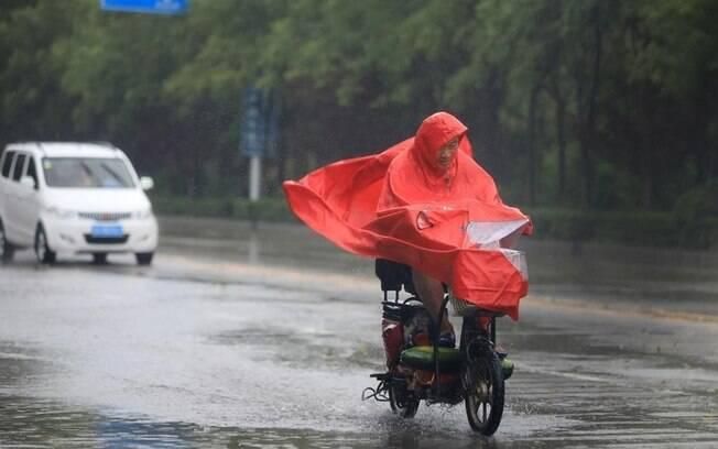Fortes chuvas na China também geram prejuízos materiais, com ao menos 2,18 milhões de hectares  inundados