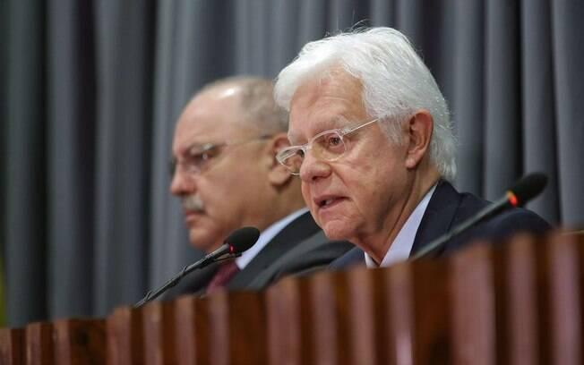 Ministro de Minas e Energia, Moreira Franco defendeu corte de subsídios da conta de luz
