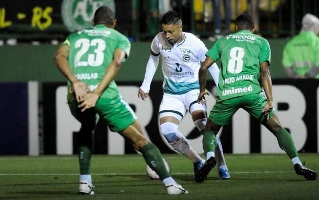 Chapecoense e Goiás ficaram no 2 a 2