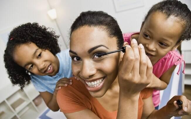 Maquiagem é um ótimo presente para o Dia das Mães e diversas marcas são vendidas nas farmácias
