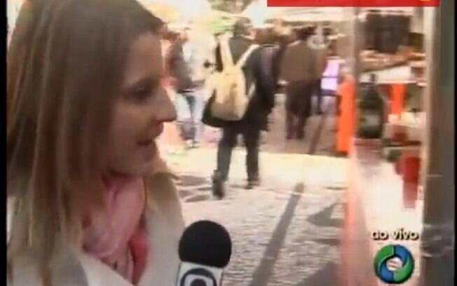 Em 2011, a repórter de afiliada da Rede Globo Geisah Batista resolveu atender ao celular durante a entrada de um link ao vivo na cobertura de uma feira no Paraná