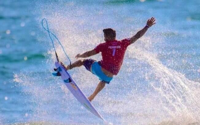 Teremos surf nesta madrugada de segunda-feira