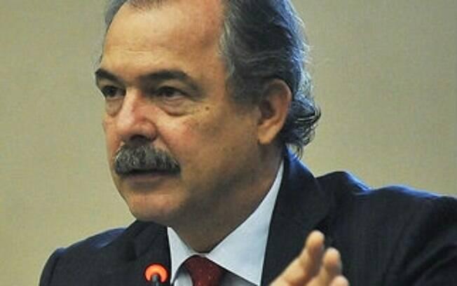 Dilma mantém Aloizio Mercadante como ministro chefe da Casa Civil
