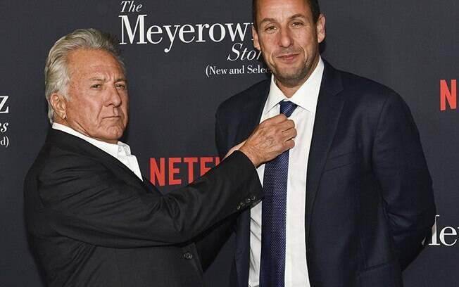 As melhores fotos de famosos de 2017: Adam Sandler e Dustin Hoffman na premiere de ''Os Meyerowitz: Família Não Se Escolhe''. Foto: Reprodução/IMDB