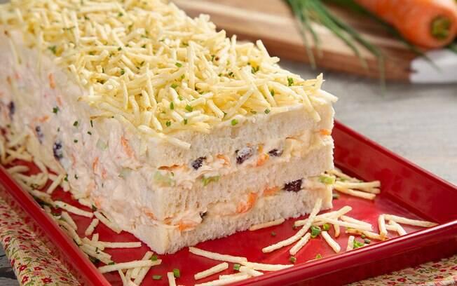 A torta de salpicão é clássica em festas infantis e uma opção deliciosa