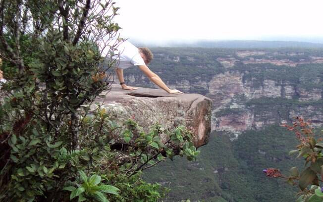É preciso deitar para ver a Cachoeira da Fumaça, na Chapada da Diamantina