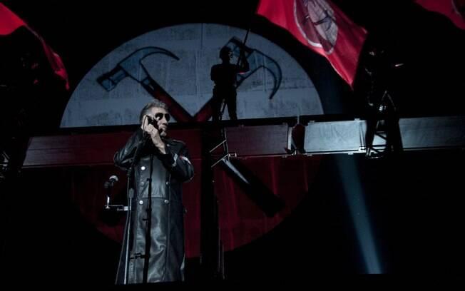 Roger Waters faz referência a Michel Temer em publicação no Facebook
