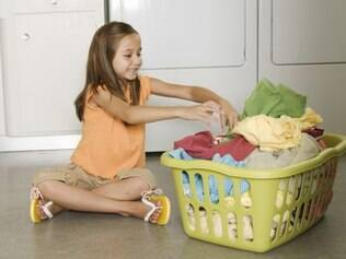 Pais devem servir de exemplo para estimular filhos a participar das tarefas domésticas