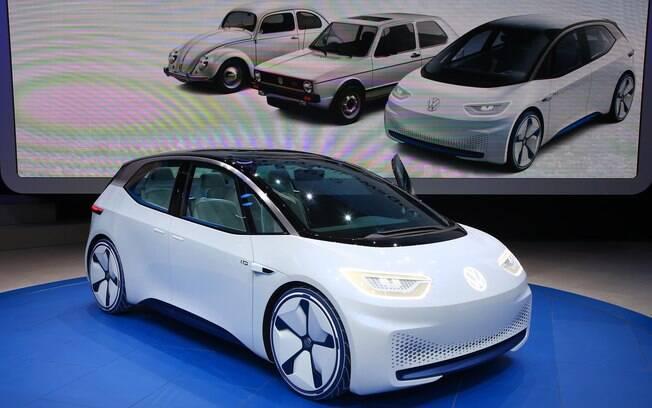 Apresentado no Salão de Paris, o Volkswagen I.D. adianta o carro elétrico popular da marca, com preço de Golf e autonomia de 600 km.