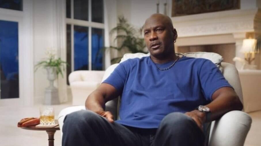 Michael Jordan faz investimento alto na educação de jovens negros