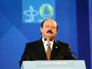 Petição online propõe excluir Levy Fidelix de debate na Globo
