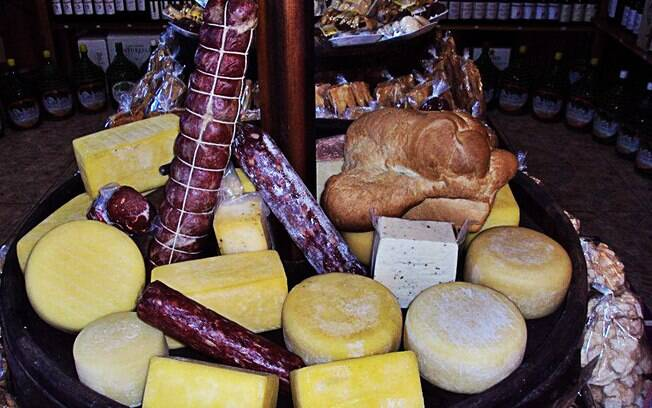 Alimentos típicos feitos artesanalmente são uma das atrações no Giordani Café Colônia, em Bento Gonçalves. Foto: Divulgação
